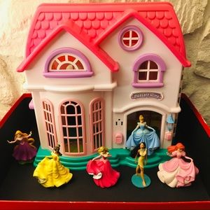 Disney lot /house and figures